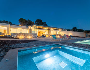 villa with swimming pool lefkada